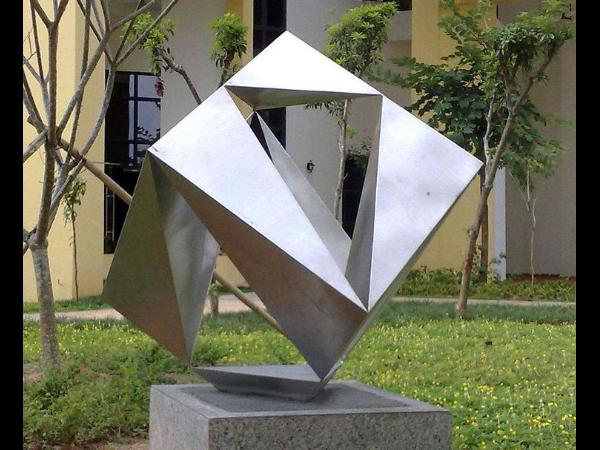 校园不锈钢雕塑