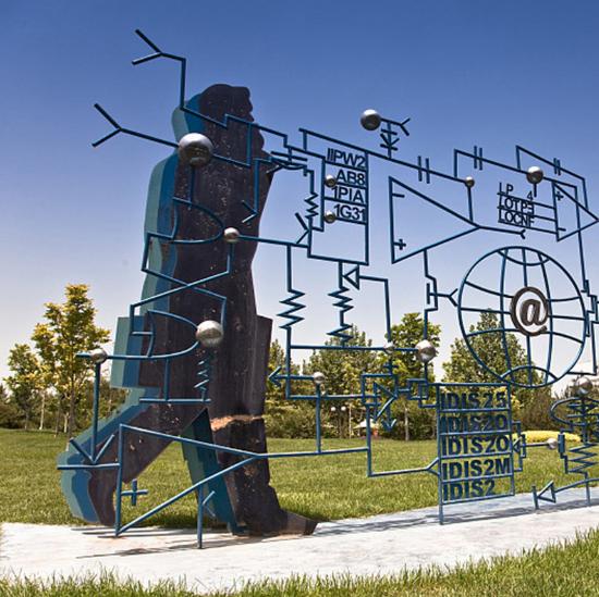 校园不锈钢烤漆雕塑
