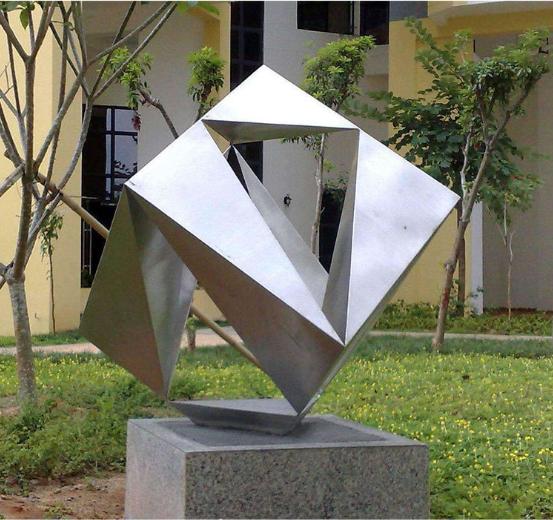 校园雕塑选用标准及价格因素